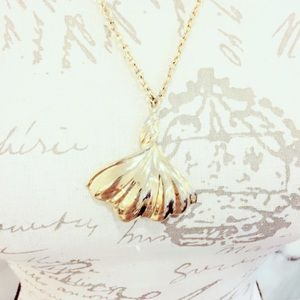 Gold Tone Fan Necklace